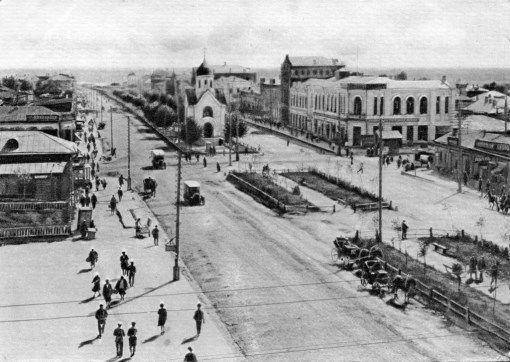 Часовня Святого Николая, вид с крыши «Дома Ленина» (между 1925—1929 гг.)