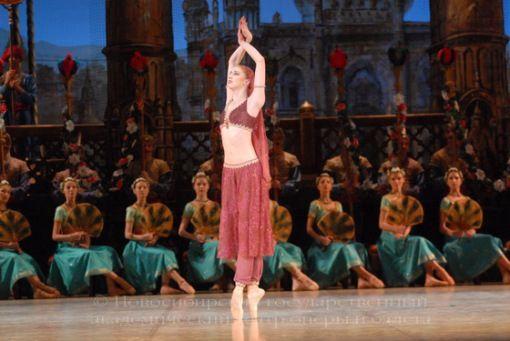 """Балет """"Баядерка"""" Источник: http://www.opera-novosibirsk.ru/"""