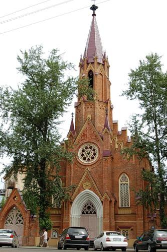 Польский костёл Источник: http://irkipedia.ru/content/kostyol_uspeniya_bogorodicy_organnyy_zal_irkutskoy_oblastnoy_filarmonii