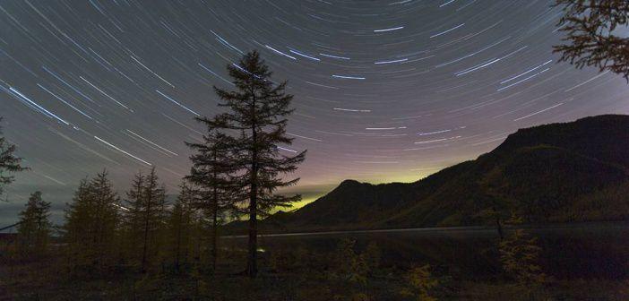 Где то далеко северное сияние, с. Оймякон, Якутия Фото: instagram potapovm_ykt