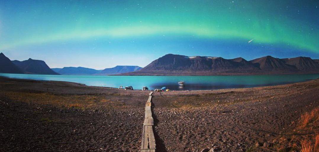 Северное сияние, озеро Лама, Плато Путорана, Красноярский край, Фото