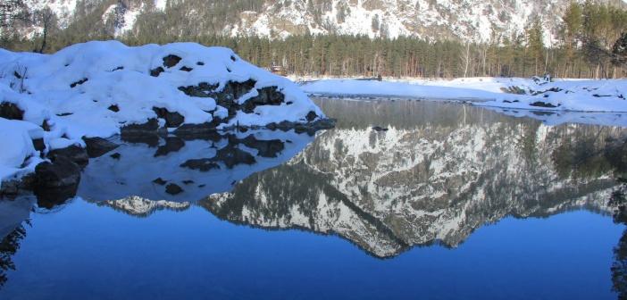 Голубые озёра в русле Катуни, недалеко от сёл Аскат и Катунь