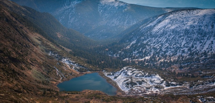 Озеро «Сердце», Пик Черского, Иркутская область.  Автор: Алексей Стрелюк