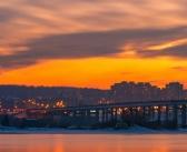 Закат над Академическим мостом, Иркутск Фото: Алексей Байфа