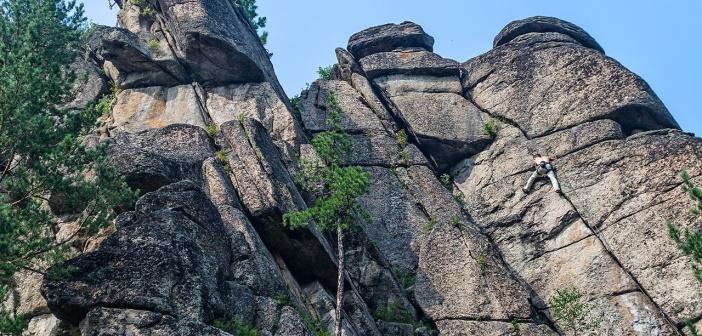 Скальник Витязь.  Олхинское плато, Иркутская область. Фото: Кирилл Буртасовский