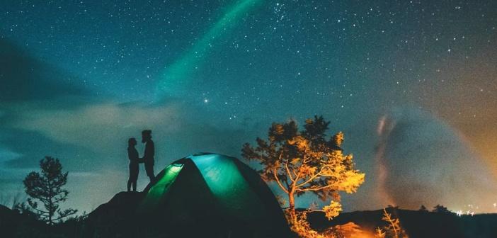 Ночоное небо у озера Байкал  Фото: instagram alextrifonovcom