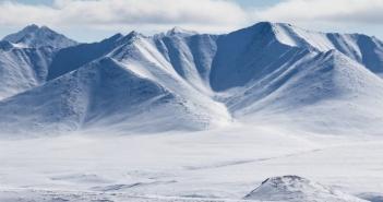 Белые вершины  Буордахский высокогорный массив, Якутия Фото: Besedina Elena