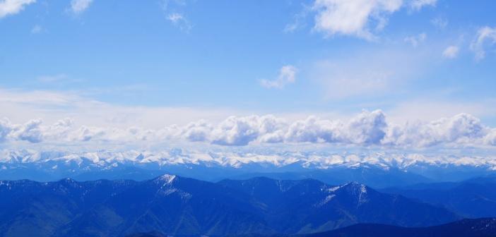 «Где-то в облаках….»  Саянские горы. Хребет Борус Фото: Ольга Ковалёва