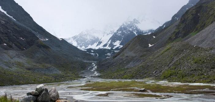 У подножия горы Белуха   фото: Николай Куров
