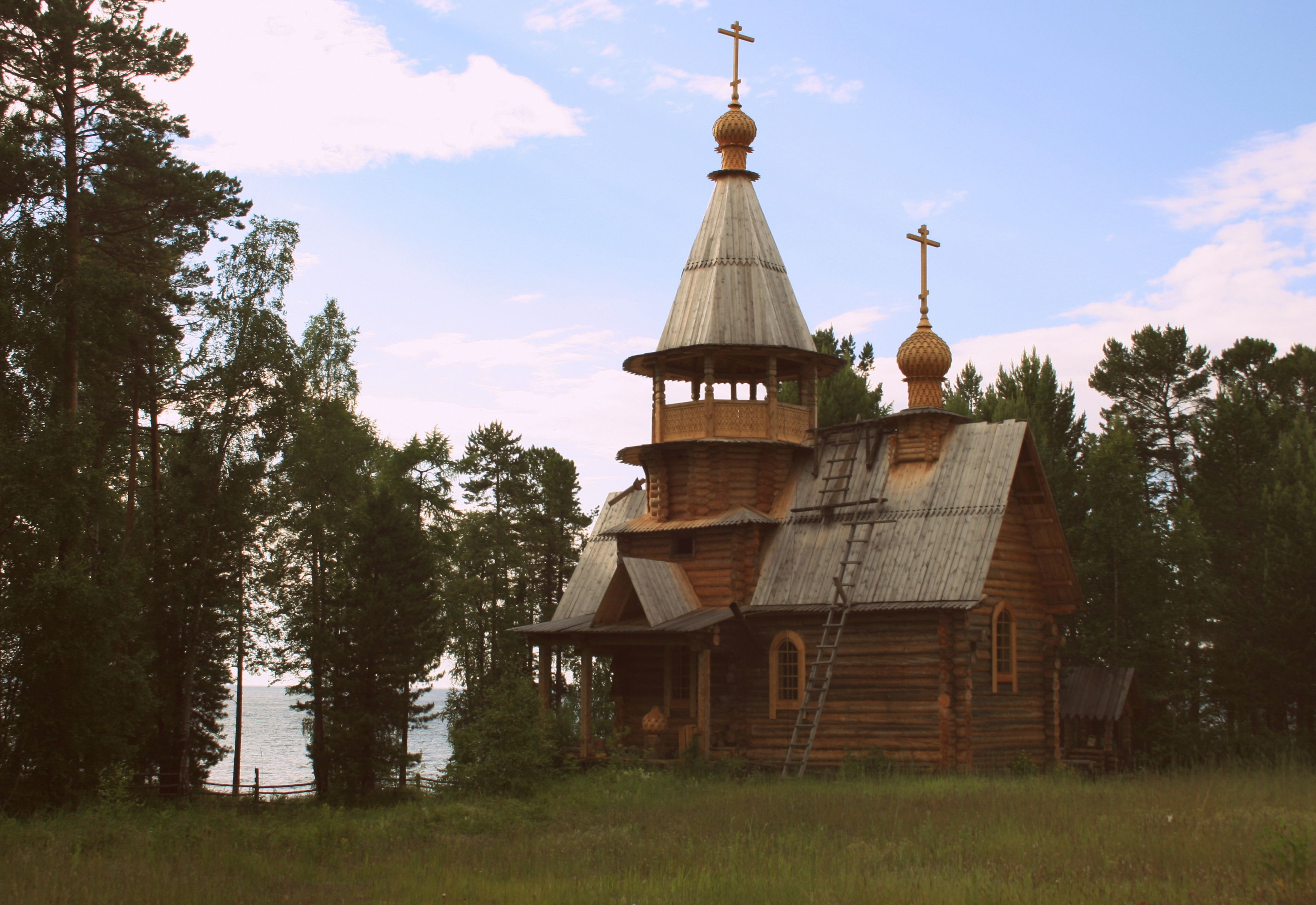 Баргузинский залив. Церковь.