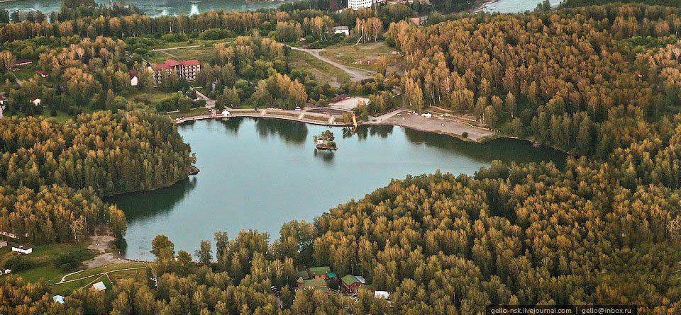 Озеро Ая. Алтай. Сибирь