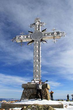 Поклонный крест на горе Курган