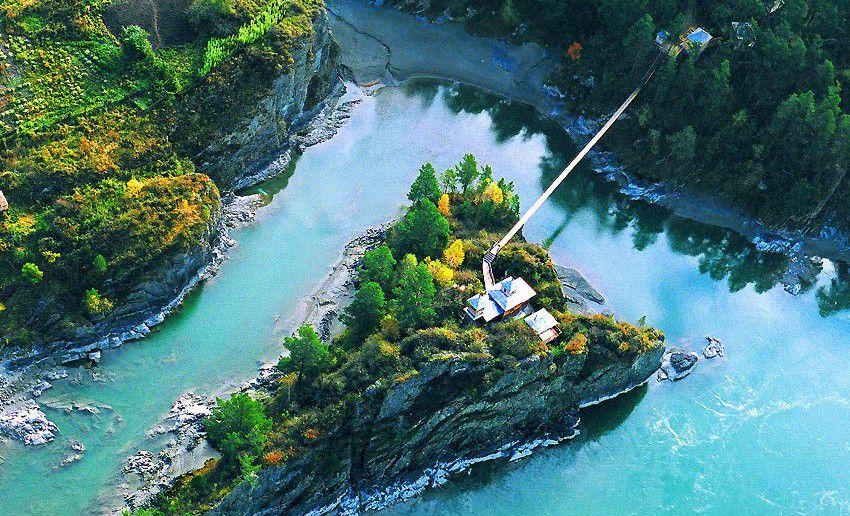 остров Патмос на реке Катунь