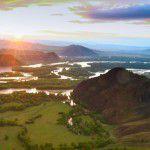 Вид с вертолета на пойму реки Абакан.