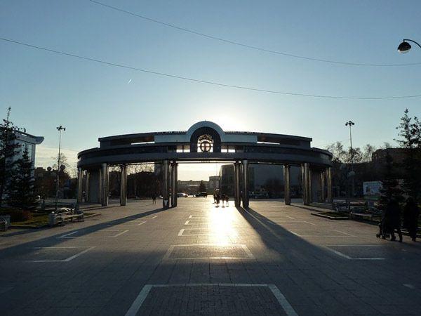 Входная арка на Цветной бульвар