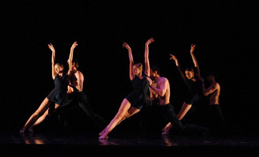 «Шепот в темноте» Э. Льянга Источник: www.igorod.pro
