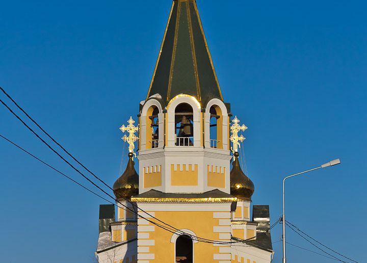 Градоякутская Спасо-Преображенская церковь Источник:http://www.google.ru/url?sa=i&source=images&cd=&ved=0CAcQjB0&url=http%3A%2F%2Fxn--c1adkrbcrc0d8b0a.xn--p1ai%2Fstati%2Fjakutija%2Fjakutsk-staryi-gorod.html&ei=pA_SVLHfGsPXygOIkIHIDQ&psig=AFQjCNHIRZIDTESLIjlfYxpFP-dr4wYjfw&ust=1423139108519802