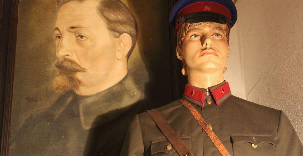 Кабинет следователя Источник: http://nkvd.tomsk.ru