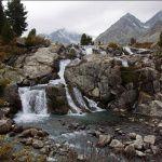 Водоскат с озера Дарашколь