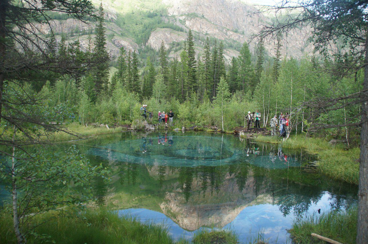 Гейзерное озеро, горный Алтай, фото