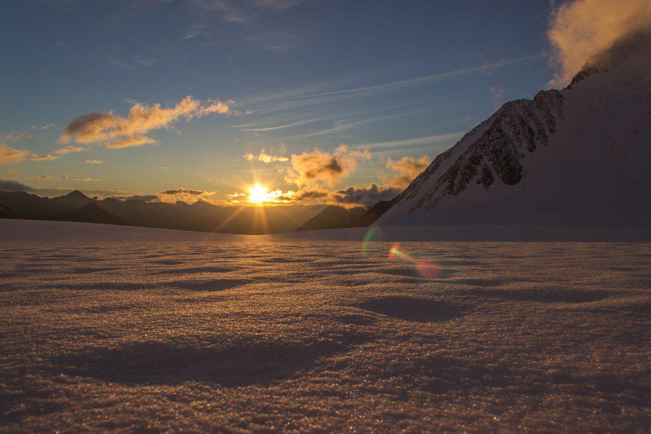 Рассвет, Менсу, Катунский хребет, Алтай, фото