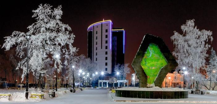 Тюмень. Площадь Борцов Революции.   фото: Евгений Сагателов