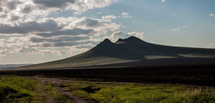 Гора три брата. Хакасия.   фото: Евгений Волошенко