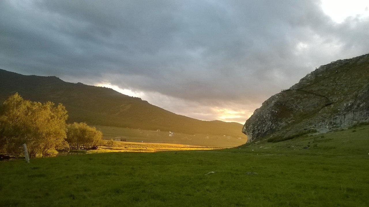 Гора Белый камень, Алмыс-Туу Боом, Алтай, фото