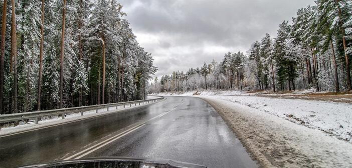 Первый снег на трассе по пути на Байкал) Шелеховский район, Иркутская область.   фото: Кирилл Буртасовский