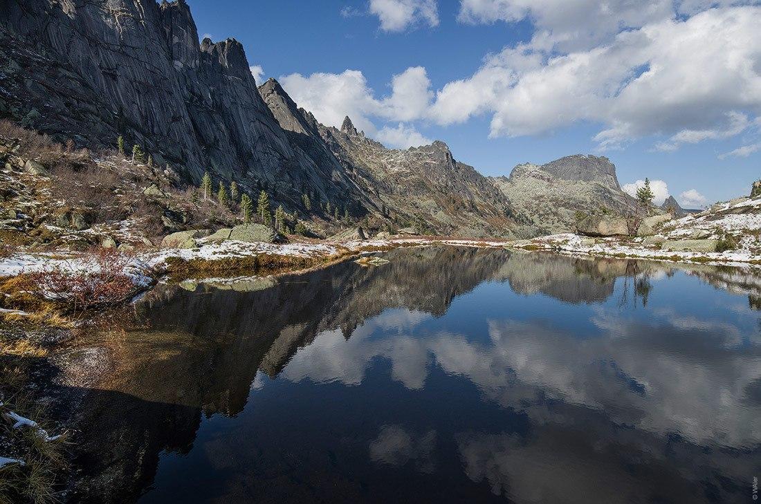 Ергаки, озерцо под перевалом Тайгиш.