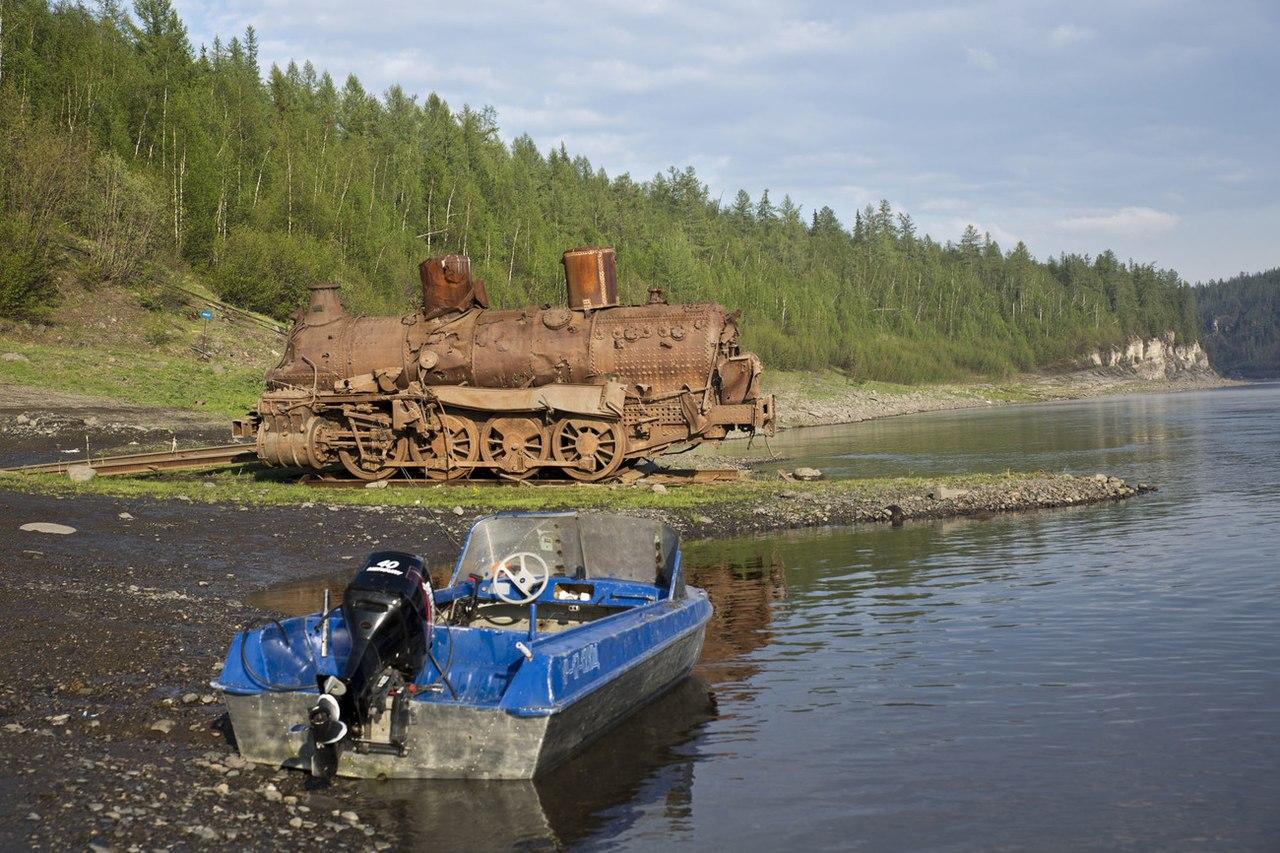 Паровоз, река Курейка, Красноярский край, Фото